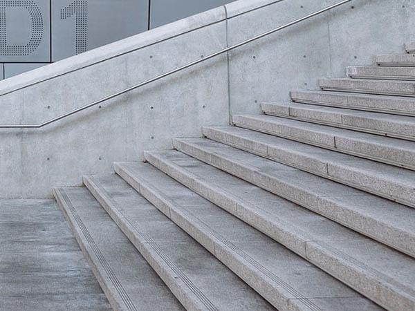 NCP9H Rot Industrie - Treppen